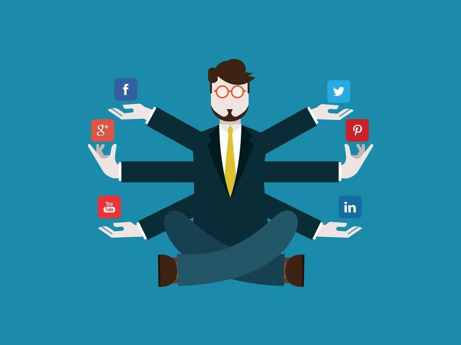 5 traits you should look for when hiring a social media manager